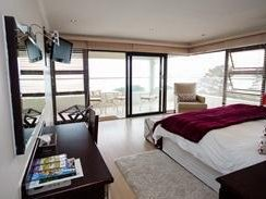 Honeymoon Deluxe Suite, Gordons Bay